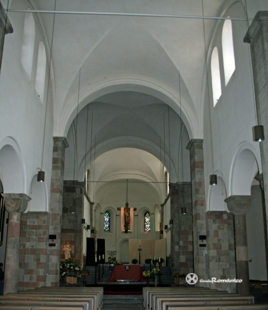 Colonia. St Jorge. Nave central